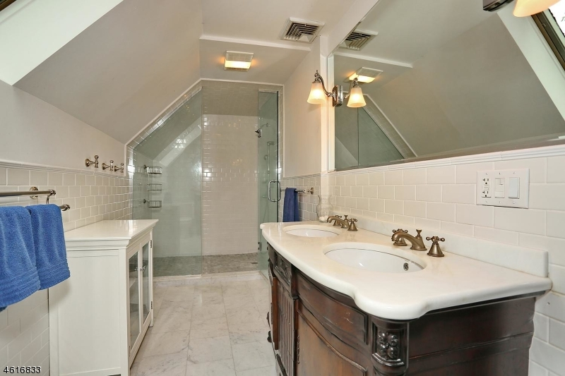 Additional photo for property listing at Address Not Available  Ridgewood, New Jersey 07450 États-Unis