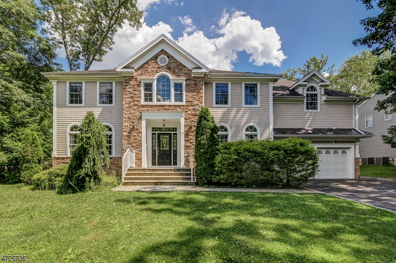 Single Family Home for Sale at 30 Camptown Drive Berkeley Heights, New Jersey 07922 United States