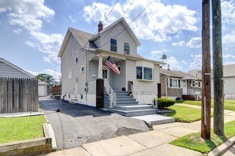 واحد منزل الأسرة للـ Sale في 31 Saint Ann Street Carteret, New Jersey 07008 United States