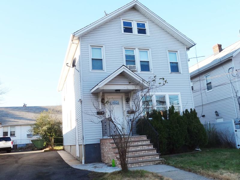 独户住宅 为 出租 在 414 Centennial Avenue 克兰弗德, 新泽西州 07016 美国