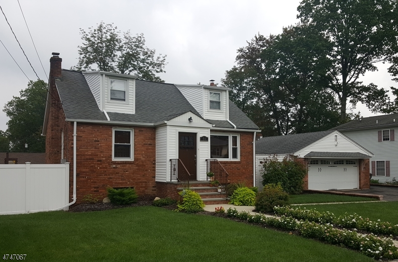 Single Family Home for Sale at 54 Oak Blvd Cedar Knolls, New Jersey 07927 United States