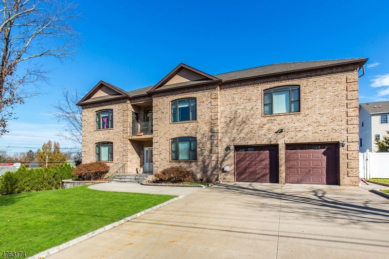 Maison unifamiliale pour l Vente à 8 CLEVELAND Avenue East Hanover, New Jersey 07936 États-Unis