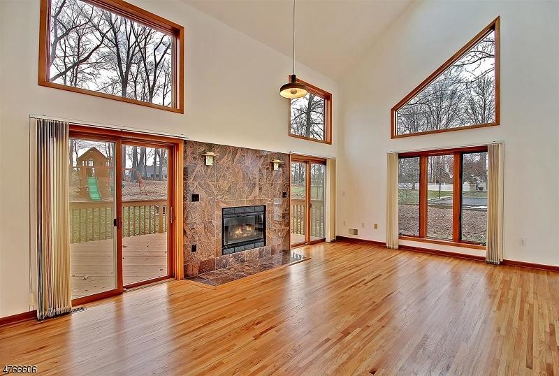 Maison unifamiliale pour l Vente à 16 Castle Court Randolph, New Jersey 07869 États-Unis