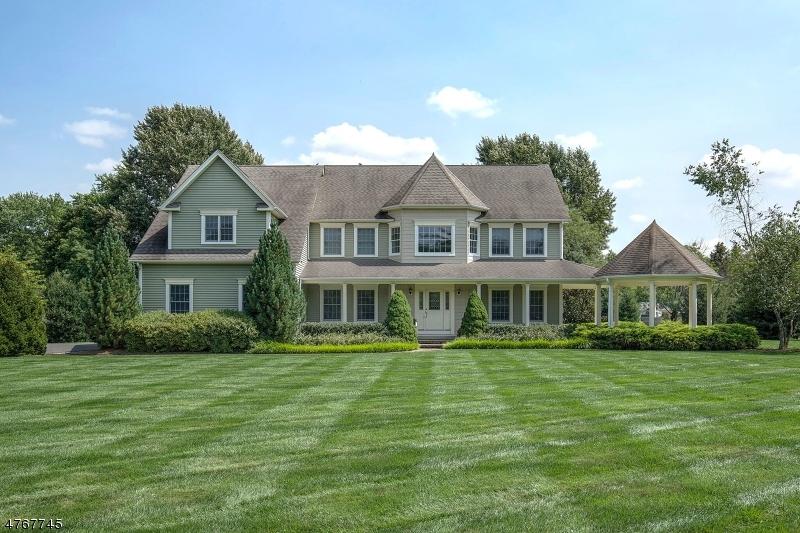 Maison unifamiliale pour l Vente à 464 ROUTE 513 Lebanon, New Jersey 07830 États-Unis