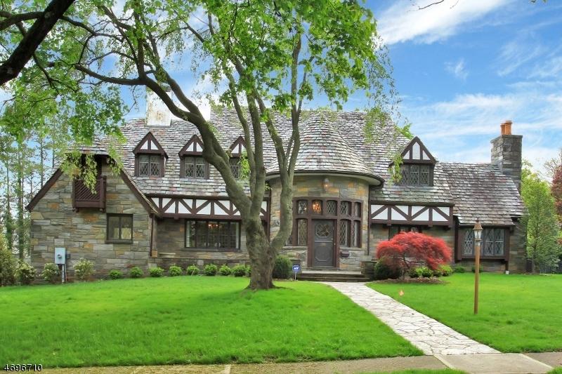 Maison unifamiliale pour l Vente à 280 Greenway Road Ridgewood, New Jersey 07450 États-Unis