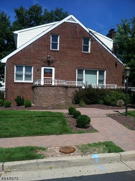 Maison unifamiliale pour l à louer à 25 GLADYS Avenue Manville, New Jersey 08835 États-Unis