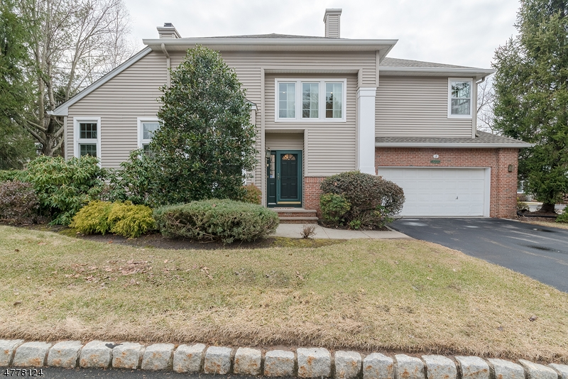 House for Sale at 2 Meeker Ct, C0033 2 Meeker Ct, C0033 Roseland, New Jersey 07068 United States