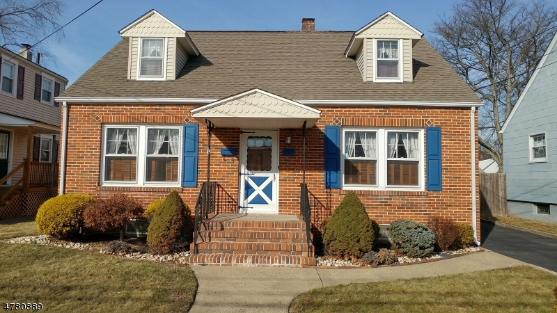 Single Family Home for Sale at 337 W Maple Avenue 337 W Maple Avenue Bound Brook, New Jersey 08805 United States