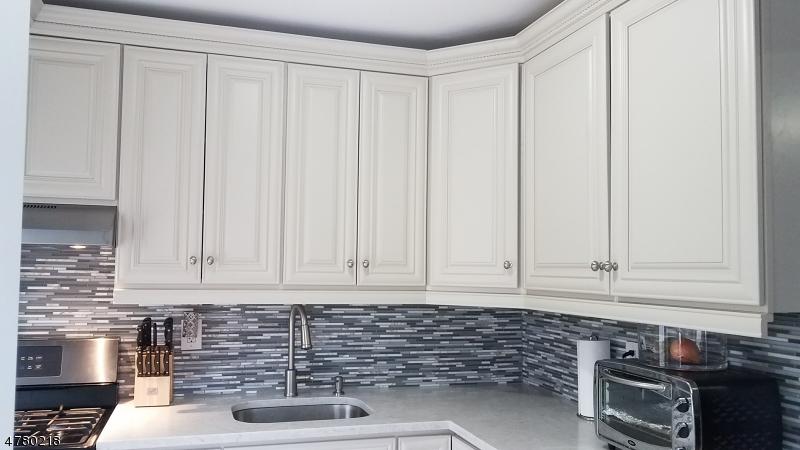 Casa Unifamiliar por un Alquiler en 47-49 WILLIAM Street Belleville, Nueva Jersey 07109 Estados Unidos