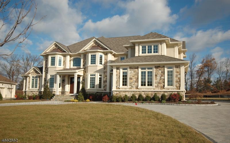 Частный односемейный дом для того Продажа на 65 Lafayette Drive Livingston, Нью-Джерси 07039 Соединенные Штаты