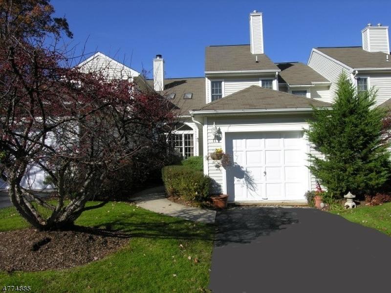 Condominio/ Casa de pueblo por un Venta en 11 Jeremy Court Lincoln Park, Nueva Jersey 07035 Estados Unidos