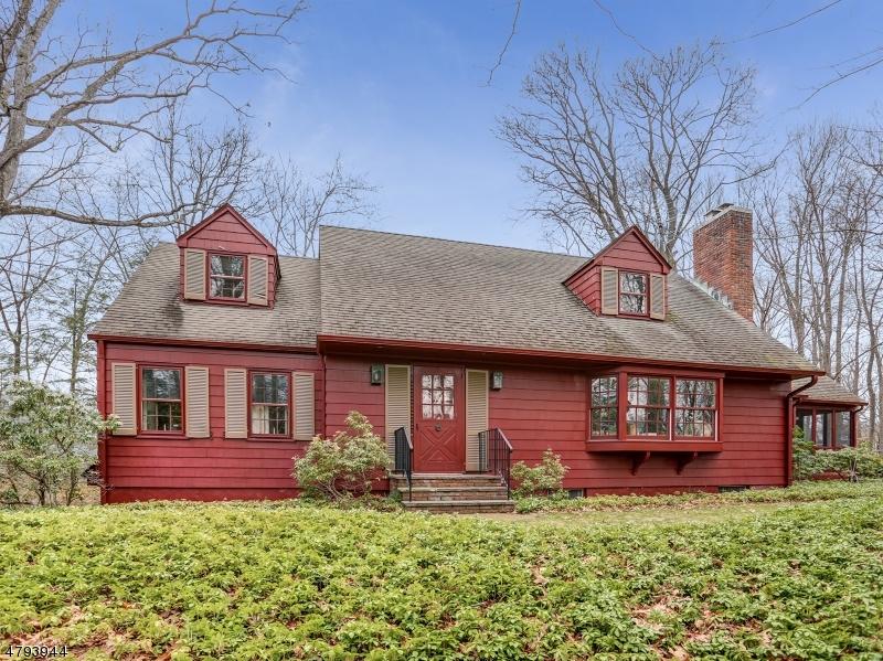 独户住宅 为 销售 在 73 Linden Lane 查塔姆, 新泽西州 07928 美国