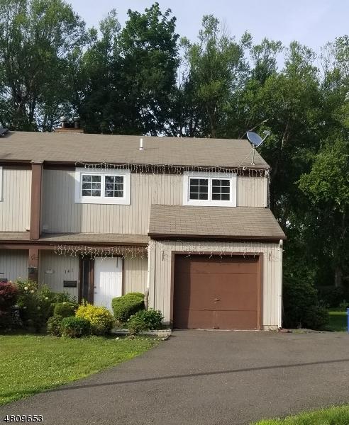 Villa per Vendita alle ore 141 GROVE Street Bergenfield, New Jersey 07621 Stati Uniti