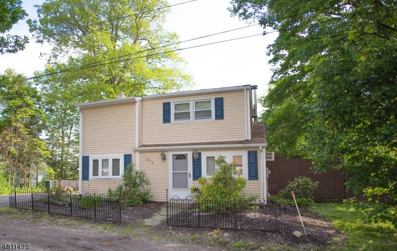 独户住宅 为 销售 在 583 Lakeshore Drive 西米尔福德, 新泽西州 07421 美国