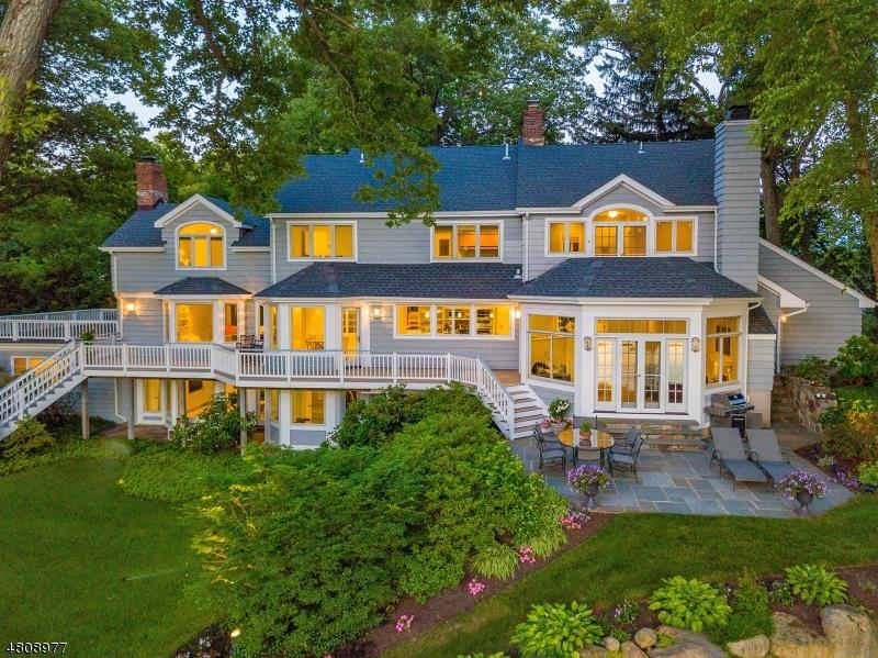 独户住宅 为 销售 在 1 E SHORE Road Mountain Lakes, 新泽西州 07046 美国