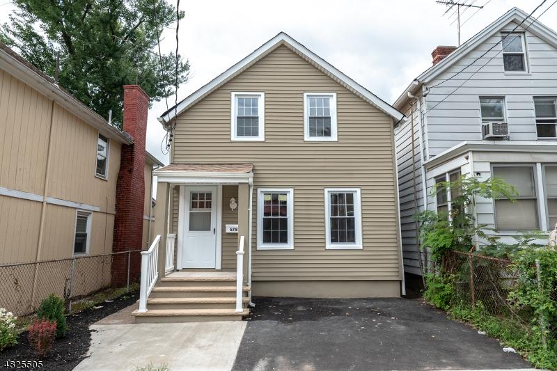 Maison unifamiliale pour l Vente à 578 NASSAU Street Orange, New Jersey 07050 États-Unis