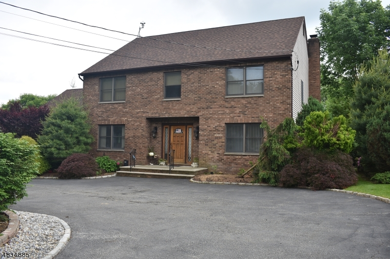 Single Family Home for Sale at 387 RIVER Road East Hanover, New Jersey 07936 United States