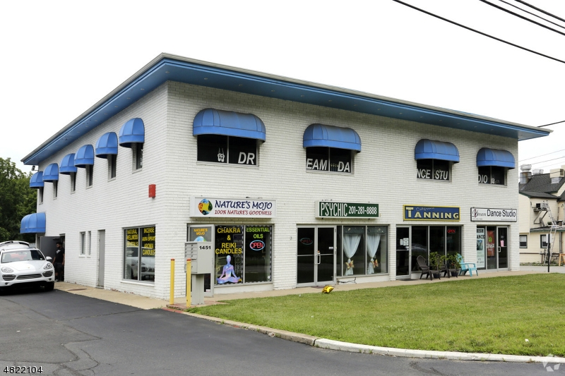 Commercial / Office for Sale at 1451 US 46 1451 US 46 Roxbury Township, New Jersey 07852 United States