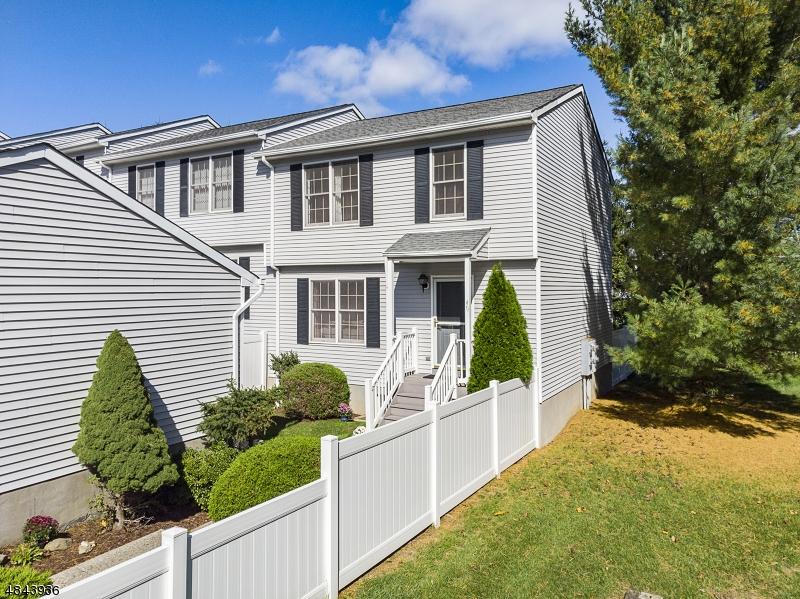 マンション / タウンハウス のために 売買 アット 400 E RANDOLPH Avenue Mine Hill, ニュージャージー 07803 アメリカ合衆国