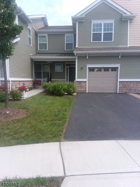 Condo / Radhus för Försäljning vid 53 Wild Iris Lane Allamuchy, New Jersey 07840 Förenta staterna