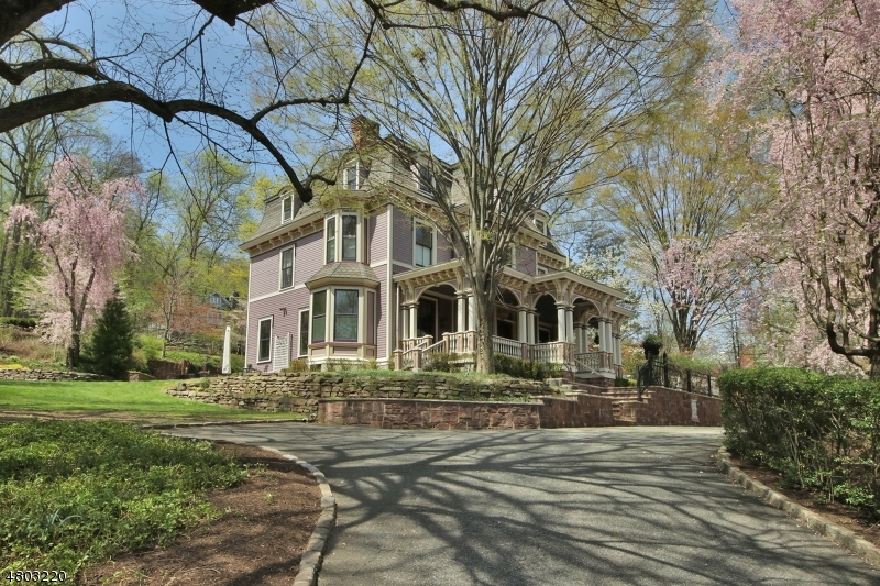 Single Family Home for Sale at 176 S MOUNTAIN AVE Montclair, New Jersey 07042 United States