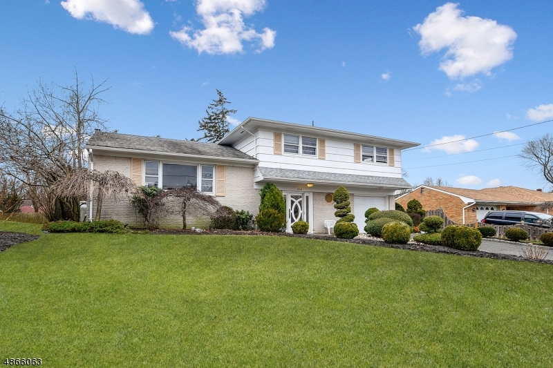 Single Family Home for Sale at 848 TERNAY AVE 848 TERNAY AVE Scotch Plains, New Jersey 07076 United States