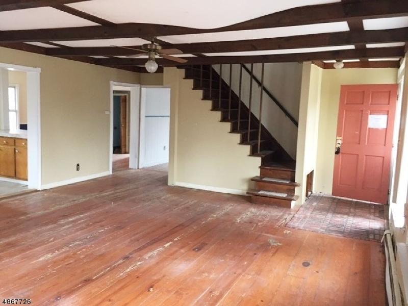 Tek Ailelik Ev için Satış at 17 HIGH Street Andover, New Jersey 07821 Amerika Birleşik Devletleri