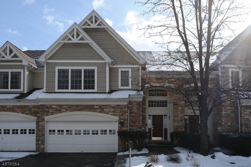 Condo / Townhouse for Sale at 6 S SHADOW Lane Oakland, New Jersey 07436 United States