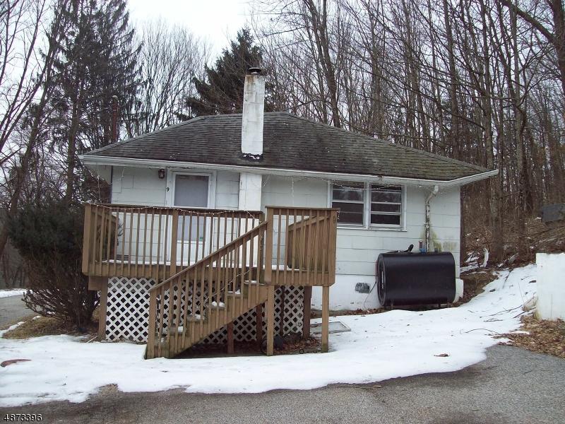 Nhà ở một gia đình vì Thuê tại 9 SLATE HILL Road Newton, New Jersey 07860 Hoa Kỳ