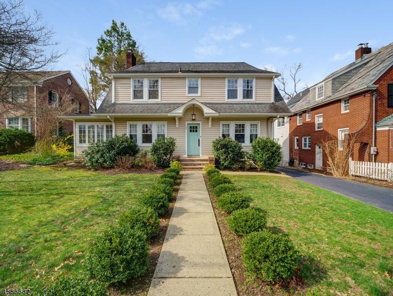 Villa per Vendita alle ore 73 WASHINGTON Avenue Morristown, New Jersey 07960 Stati Uniti