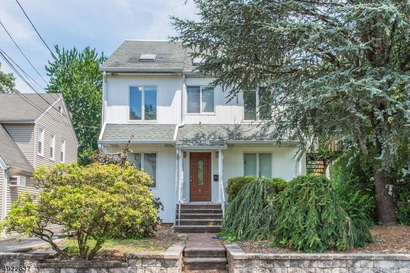 Multi-Family Homes pour l Vente à Bergenfield, New Jersey 07621 États-Unis