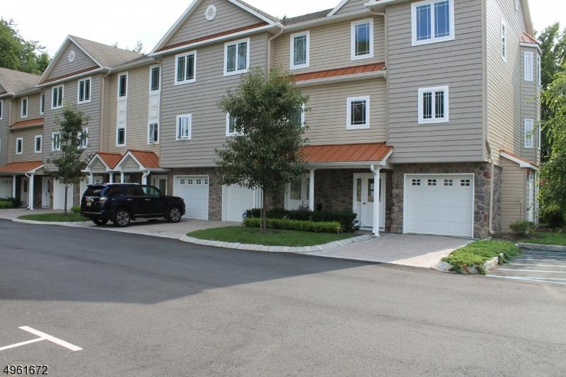 Condo / Townhouse للـ Sale في Aberdeen, New Jersey 07747 United States