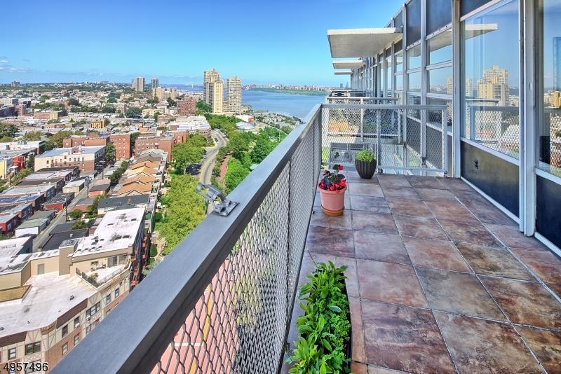 Condo / Townhouse للـ Sale في West New York, New Jersey 07093 United States