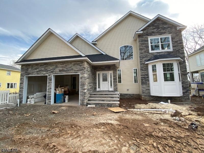 Single Family Homes por un Venta en Bloomfield, Nueva Jersey 07003 Estados Unidos