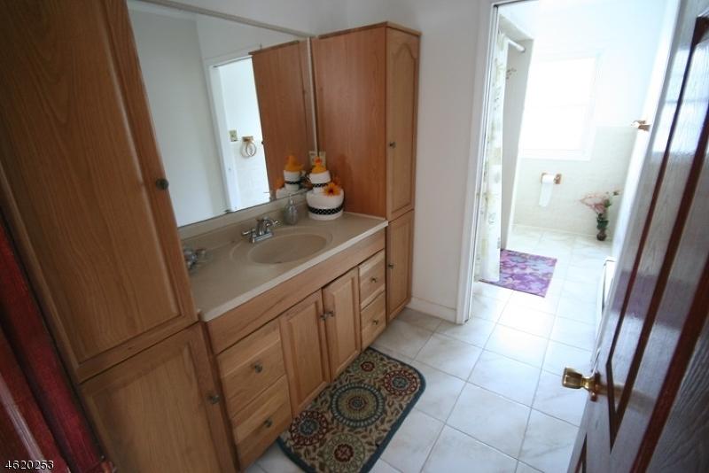 Additional photo for property listing at 30 Mountain Avenue  Hawthorne, Нью-Джерси 07506 Соединенные Штаты