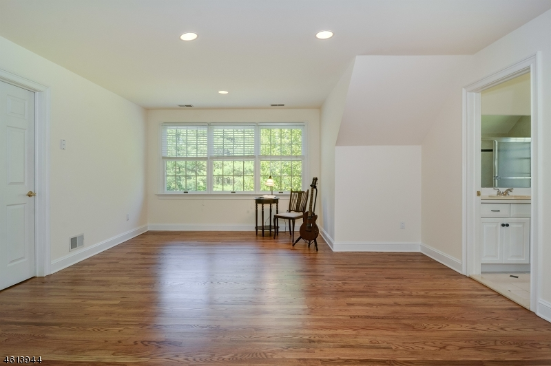 Additional photo for property listing at 8 Cobblefield Drive  Bernardsville, New Jersey 07924 United States