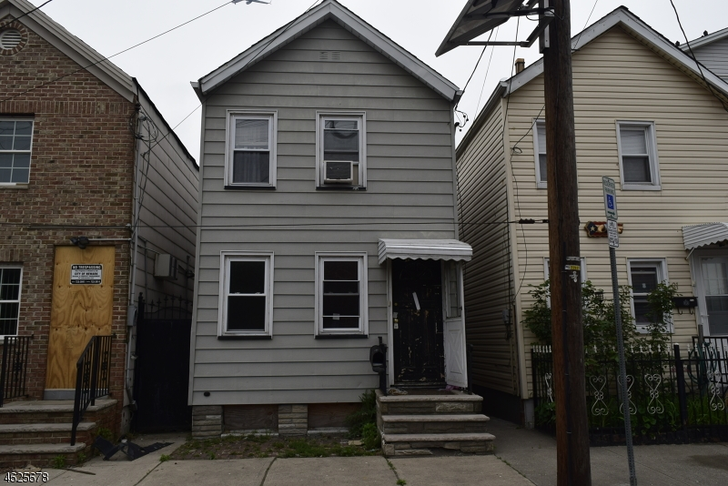 Additional photo for property listing at 19 Esther Street  Newark, Nueva Jersey 07105 Estados Unidos