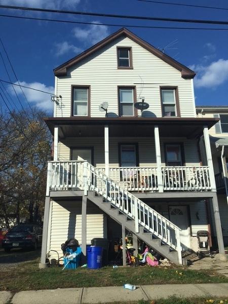 Многосемейный дом для того Продажа на 131 Linden Avenue Bound Brook, 08805 Соединенные Штаты