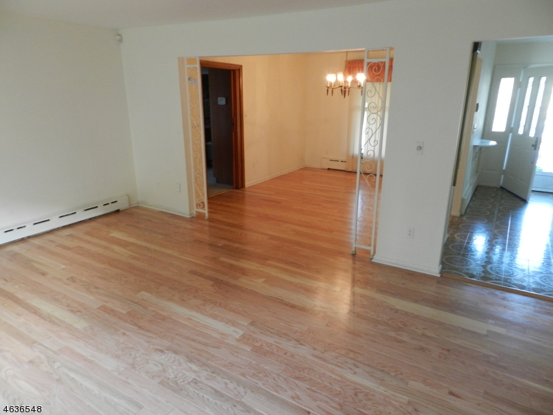 Additional photo for property listing at 1 Cherba Place  Totowa Boro, Nueva Jersey 07512 Estados Unidos