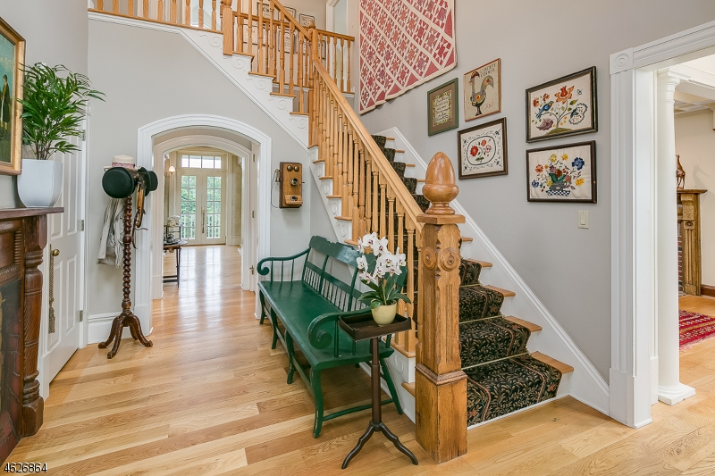 Additional photo for property listing at 3 Fieldview Lane  Califon, New Jersey 07830 États-Unis