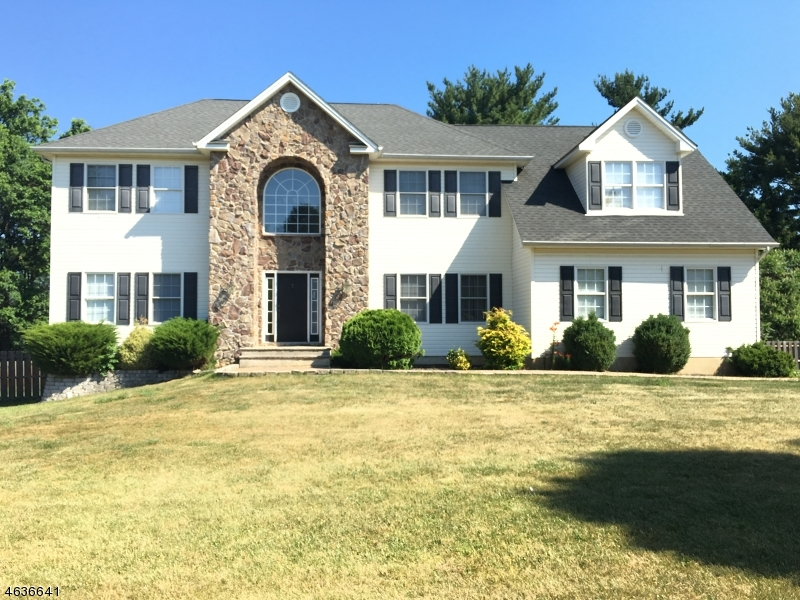 Single Family Home for Sale at 3 Ridge Top Ter Washington, New Jersey 07882 United States
