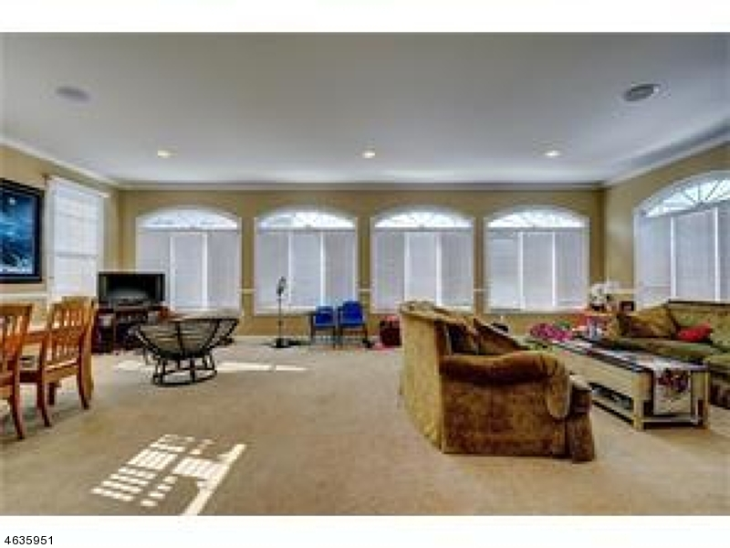 Additional photo for property listing at 3 Windhaven Court  Monroe Township, New Jersey 08831 United States