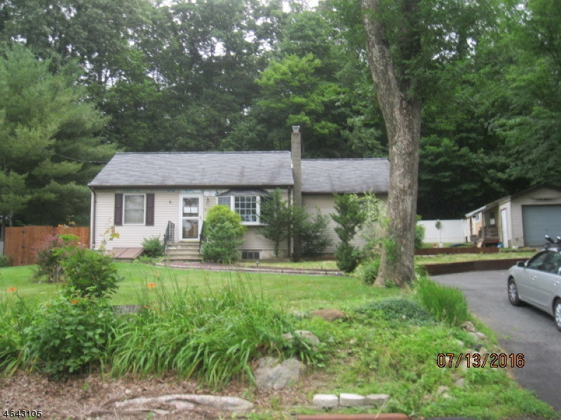 Single Family Home for Sale at 91 Prospect Point Road Lake Hopatcong, New Jersey 07849 United States