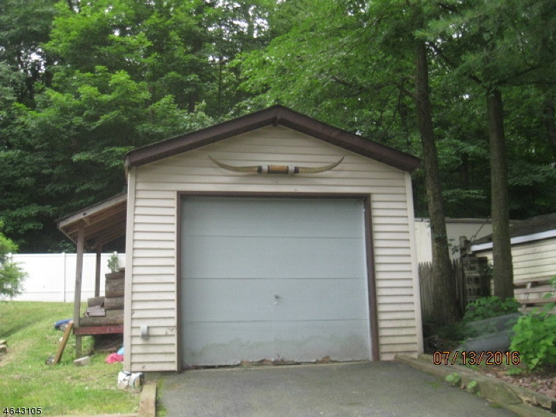 Additional photo for property listing at 91 Prospect Point Road  Lake Hopatcong, New Jersey 07849 United States
