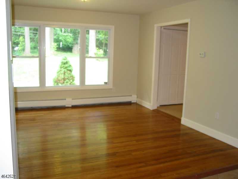 Additional photo for property listing at 558 Sussex Avenue  Morristown, New Jersey 07960 États-Unis