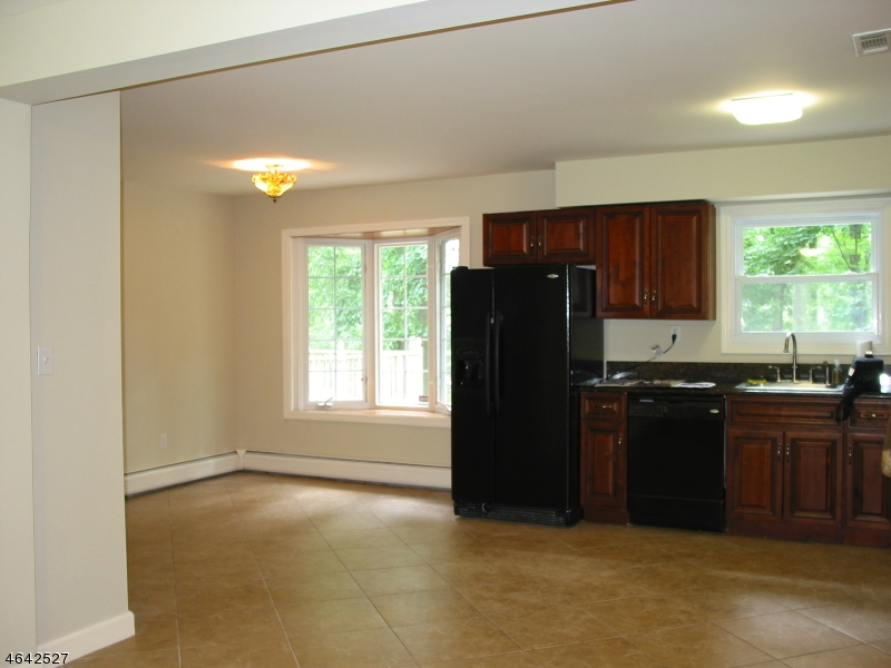Additional photo for property listing at 558 Sussex Avenue  Morristown, New Jersey 07960 United States