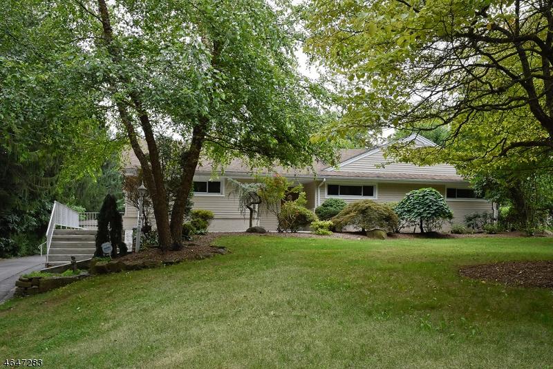 Maison unifamiliale pour l Vente à 408 Franklin Road Denville, New Jersey 07834 États-Unis