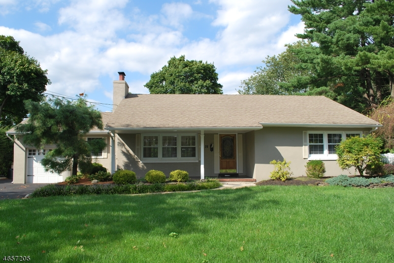 Single Family Home for Rent at 20 Dale Avenue Pompton Plains, 07444 United States