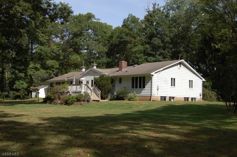 Additional photo for property listing at 113 Culberson Road  Basking Ridge, New Jersey 07920 États-Unis