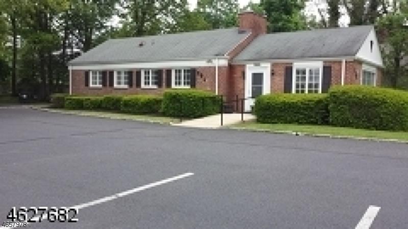 Коммерческий для того Продажа на 384 SHUNPIKE Road Chatham, Нью-Джерси 07928 Соединенные Штаты